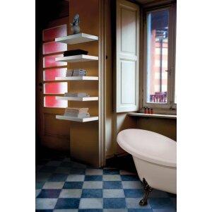 Elektrischer Handtuchwärmer als Regal